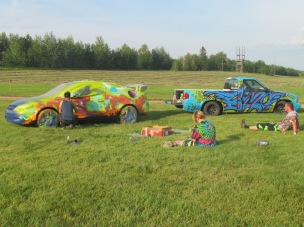 car-painting-artsits-graffiti-artists-do-demonstrations-for-metis-crossing