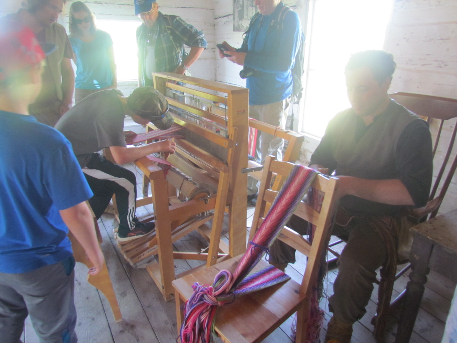 infinity sash and hand woven sash demonstration at metis crossing